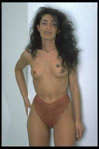 Janette aus Tessin